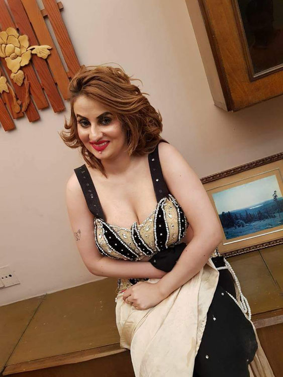 Afreen Khan Hot Picture Collection